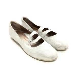 BeautiFeel Silvery White Leather Ballet Flat
